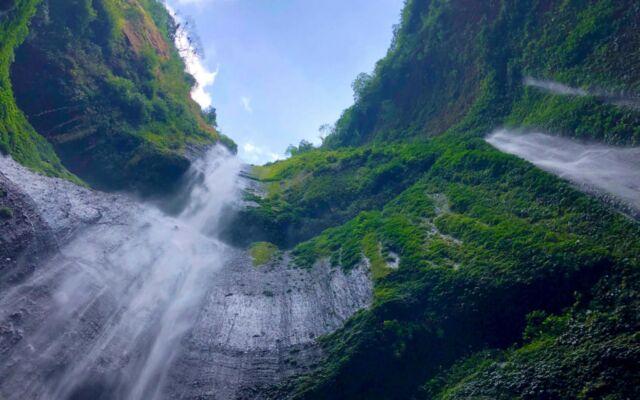 keindahan lanskap ari terjun