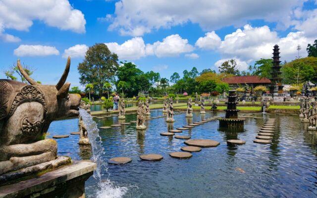 Keindahan area taman istana air tirta gangga