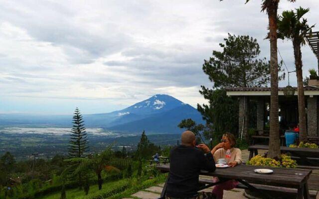 menikmati kopi dengan keindahan alam di Pondok Kopi Umbul Sidomukti Semarang