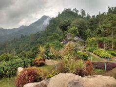 Pemandangan alam pengunungan di watu rumpuk