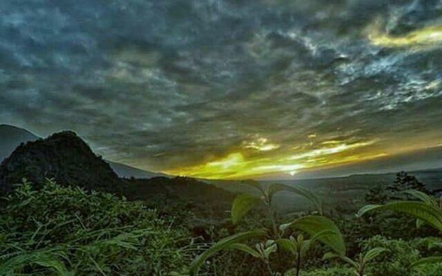 Sunrise dan Sunset di area perbukitan banyumas