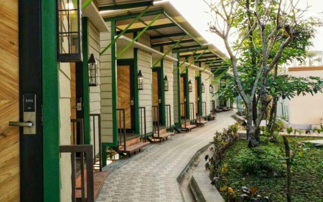 bangunan penginapan urban camping river walk boja