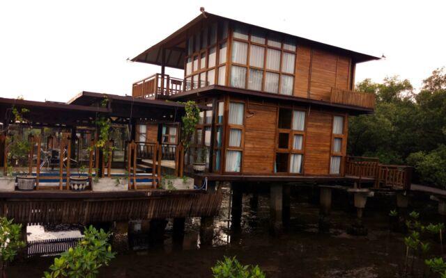 Bungalow di BeeJaw Bakau Resort