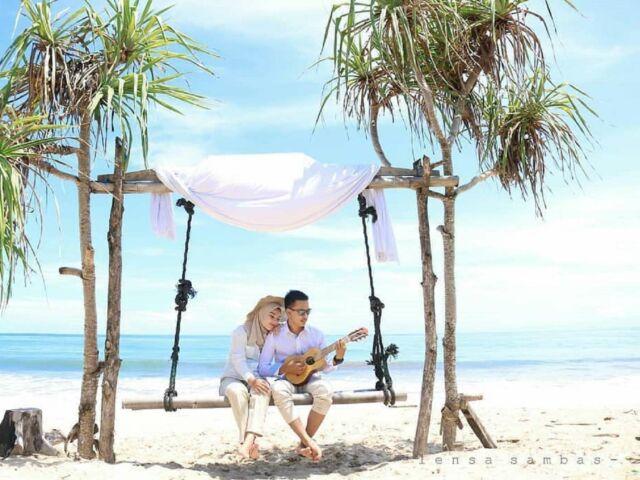Suasana romantis di Pantai Santolo Garut