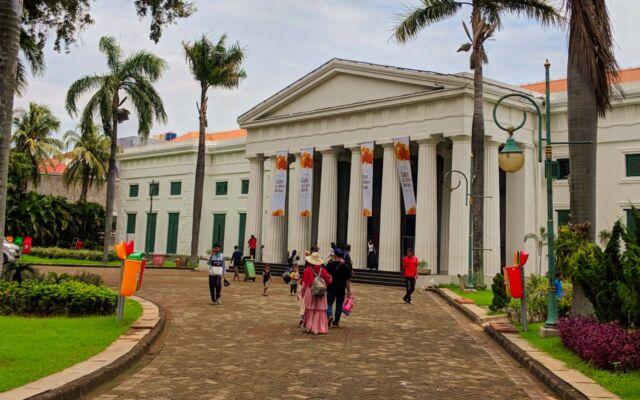 Gedung Museum Seni Rupa dan Keramik Jakarta