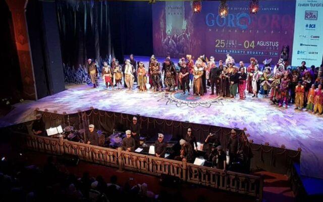 Graha Bhakti Budaya Pertunjukan Teater Koma Goro-Goro Mahabrata