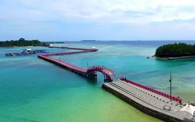 Jembatan Cinta pulau tidung di Kepulauan Seribu