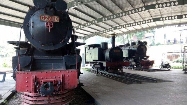 berbagai jenis lokomotif