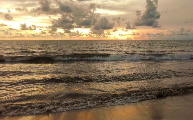 Sunset dari tepi pantai