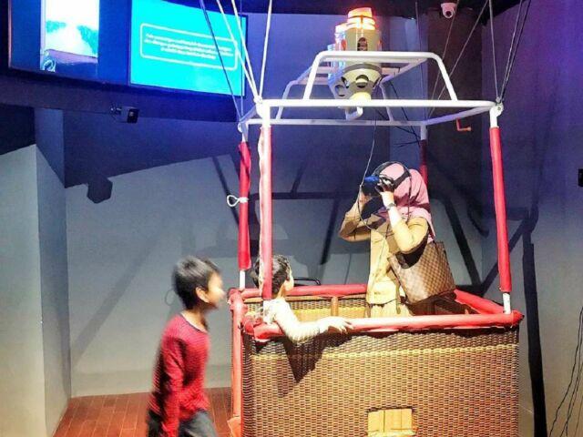 wahana virtual reality di gedung sate
