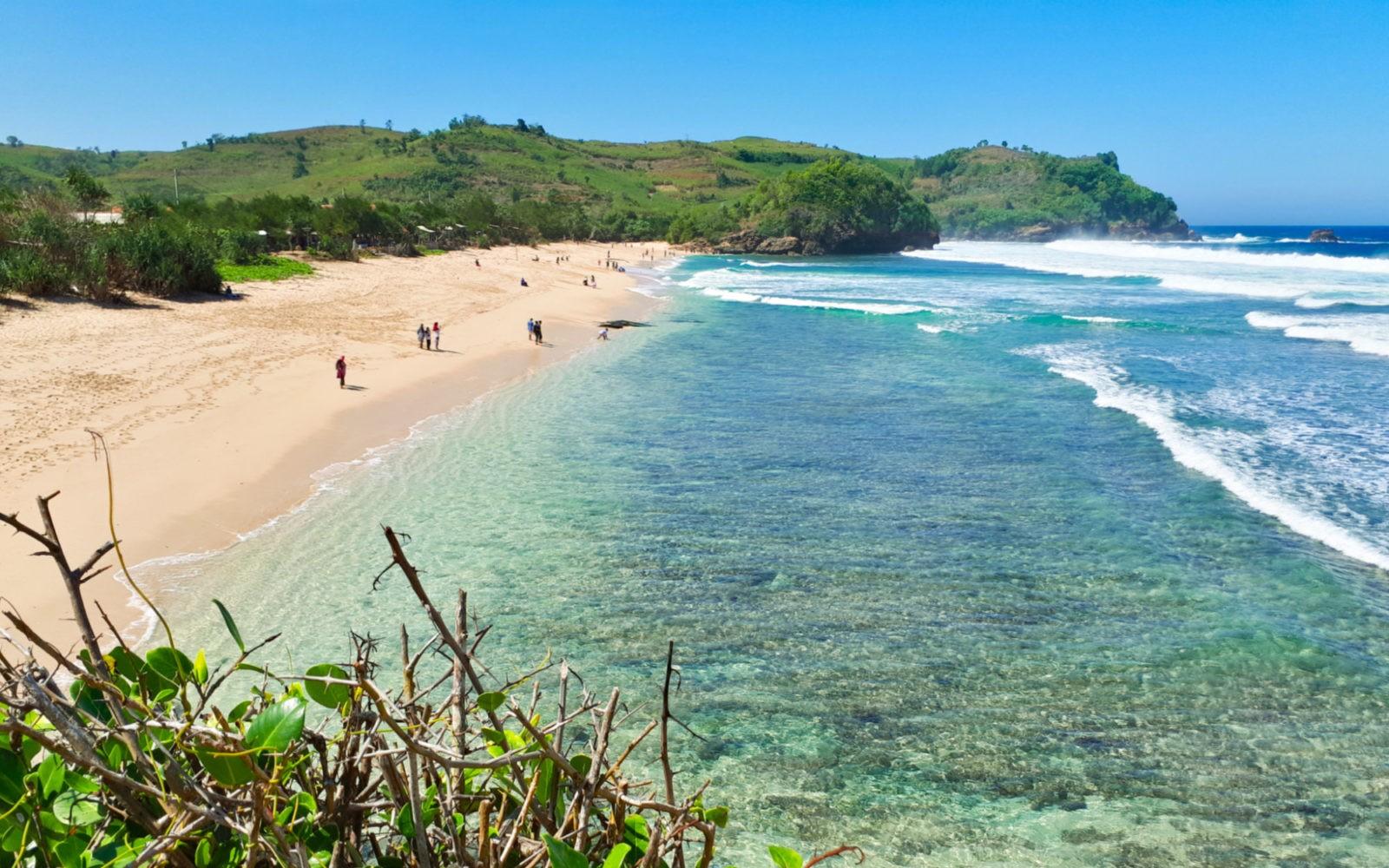 Pantai Gondo Mayit Tiket & Ragam Aktivitas Wisata Juli 2020 ...