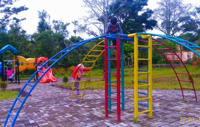 Taman Bermain Anak Dempo Park
