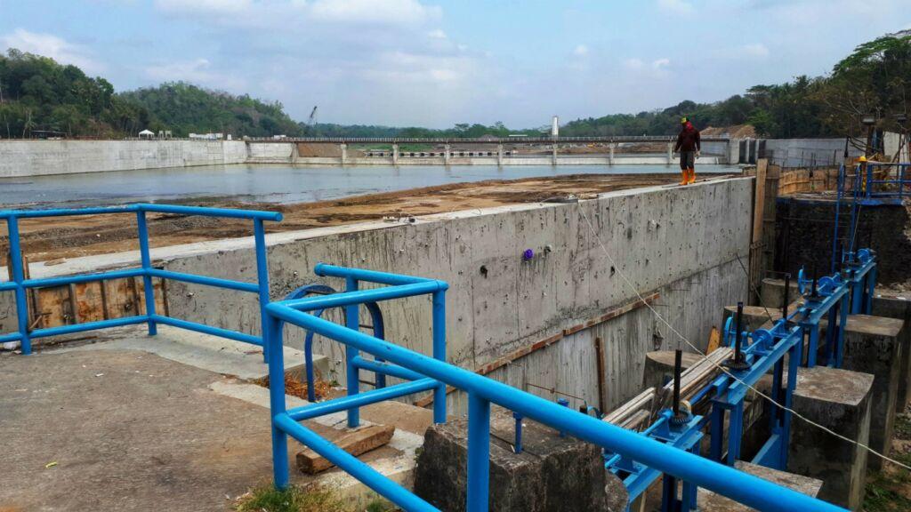Salah satu sudut konstruksi bendungan