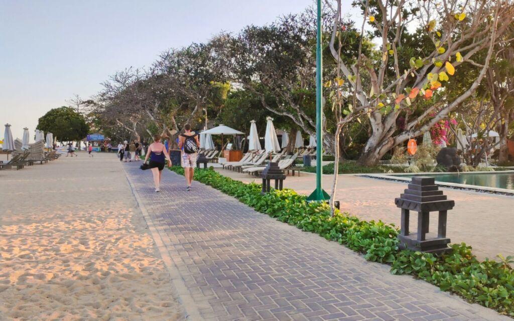 jalan setapak sanur beach walk