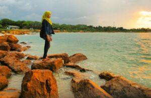 keindahan pantai sowan tuban
