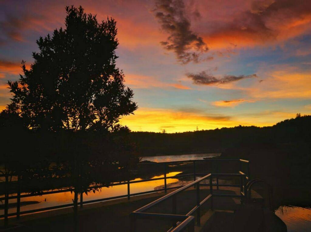 Suasana sunset di Bendungan Kamijoro