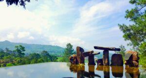 karya seni bebatuan di Wot Batu Bandung