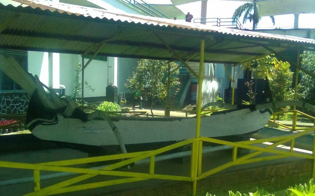 Perahu segigir museum brawijaya