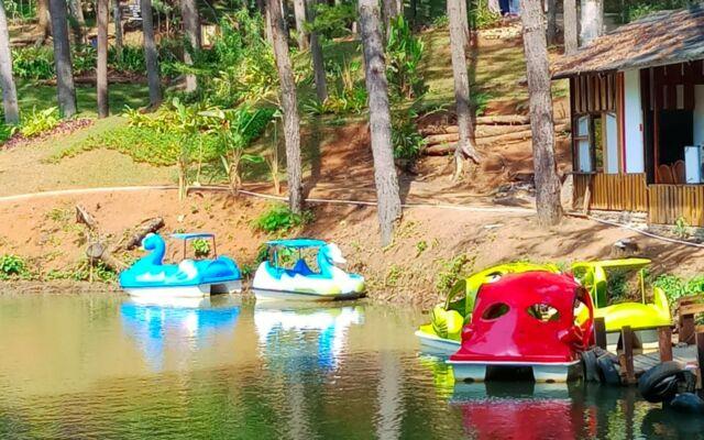 perahu dayung bebek-bebekan
