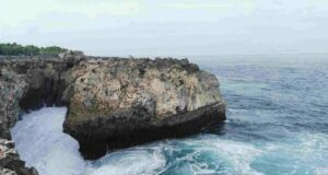 Air Laut yang Biru Jernih di water blow benoa