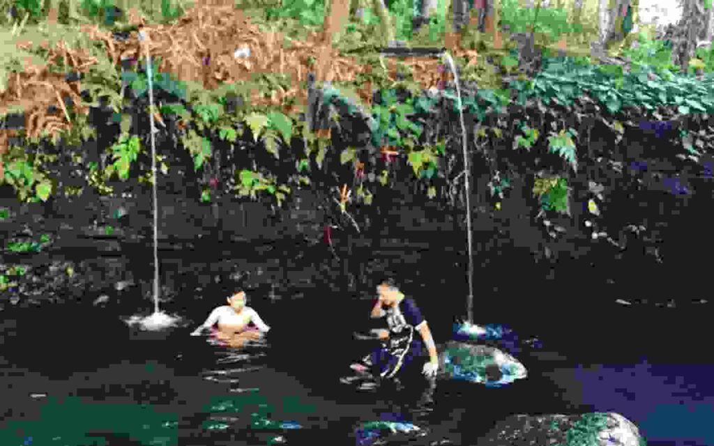 Pancuran air di Blue Lagoon