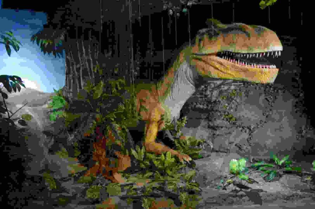 T-Rex di wahana Dino Adenture Paleontology Park