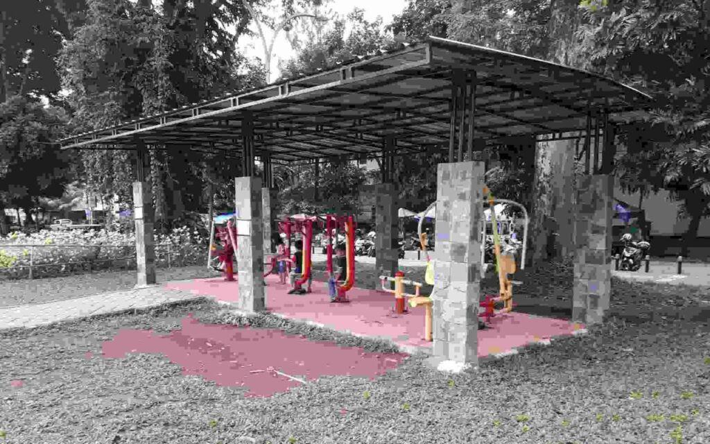 Peralatan fitness di Taman Heulang