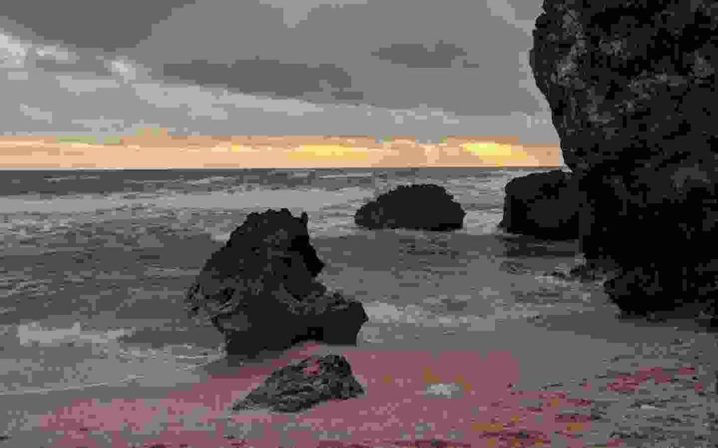 Sunset di pantai ngurumput