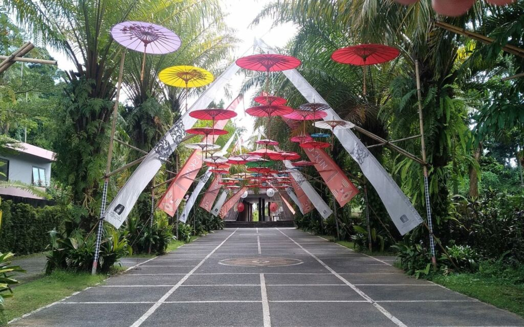Jalan Masuk Area Taman Nusa