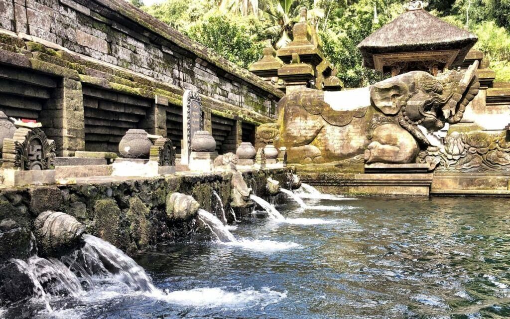 Kolam Pemandian Tirta Empul