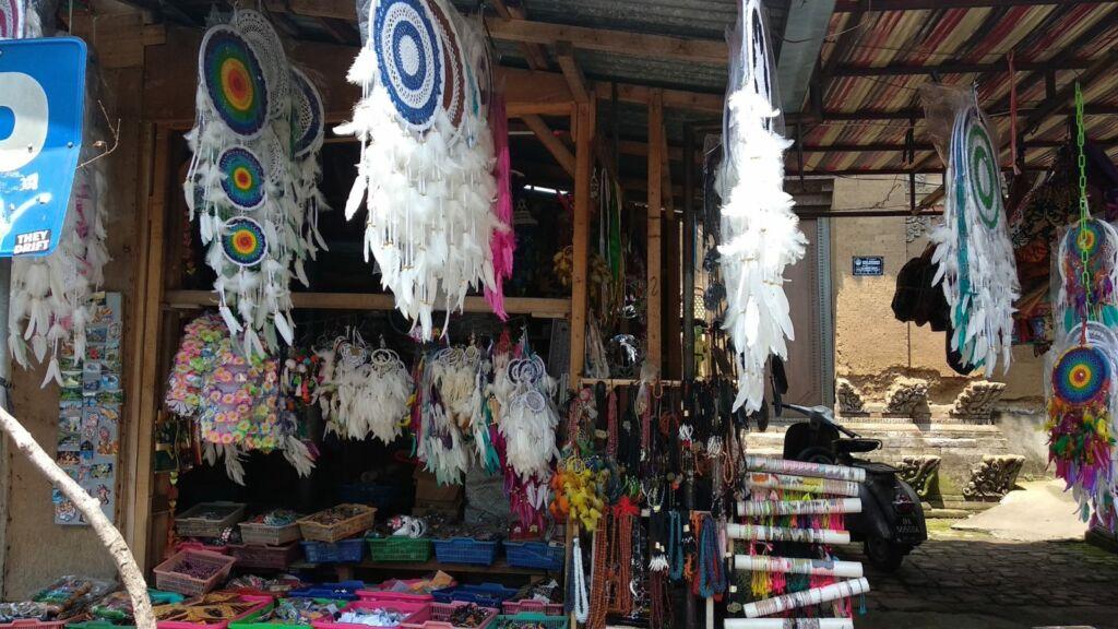 Pernak - Pernik di Pasar Seni Sukawati