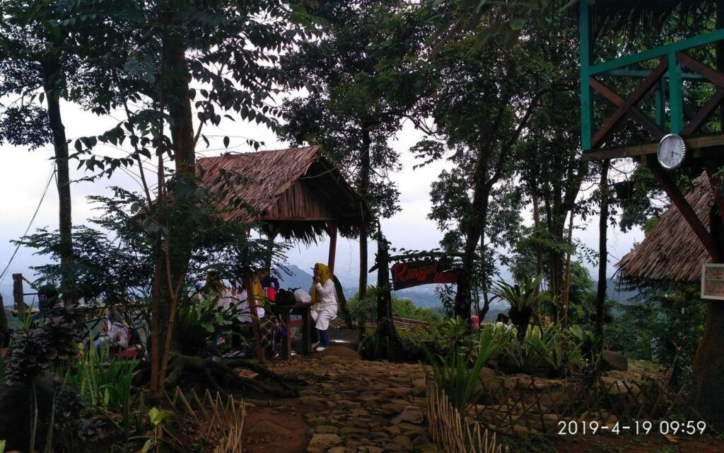 Gazebo Ranggon Hills