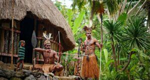 wahana berbagai suku di taman nusa