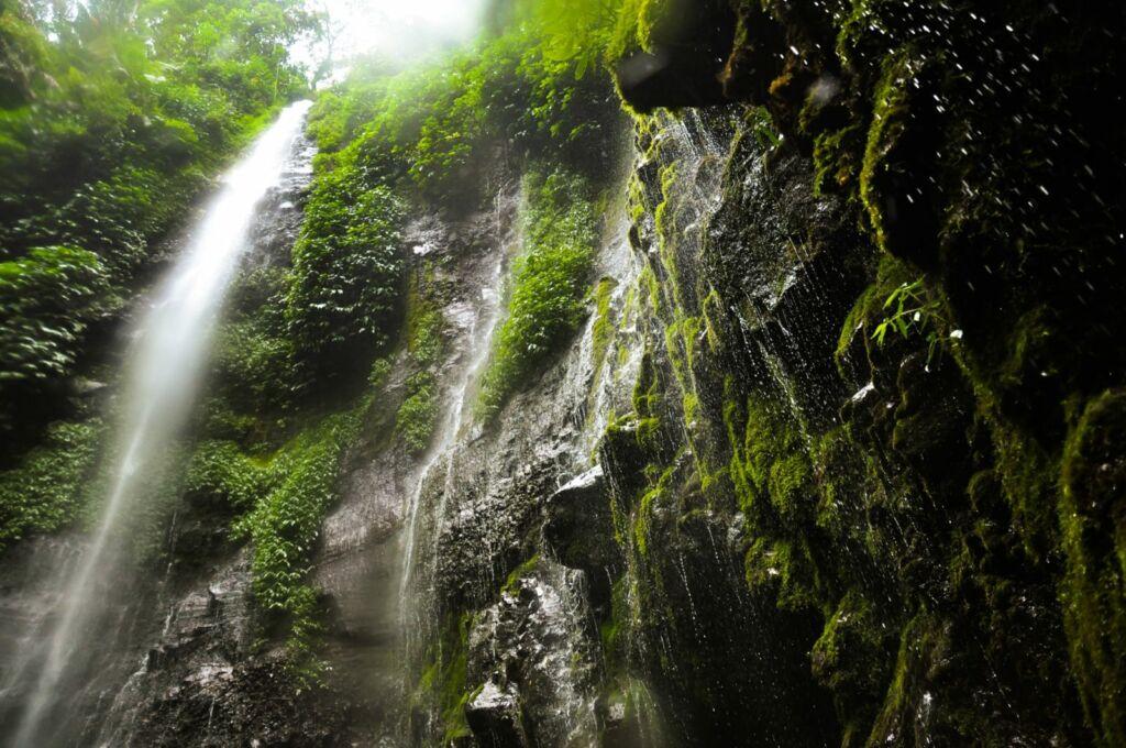 Wisata Ke Air Terjun Lawe Dua