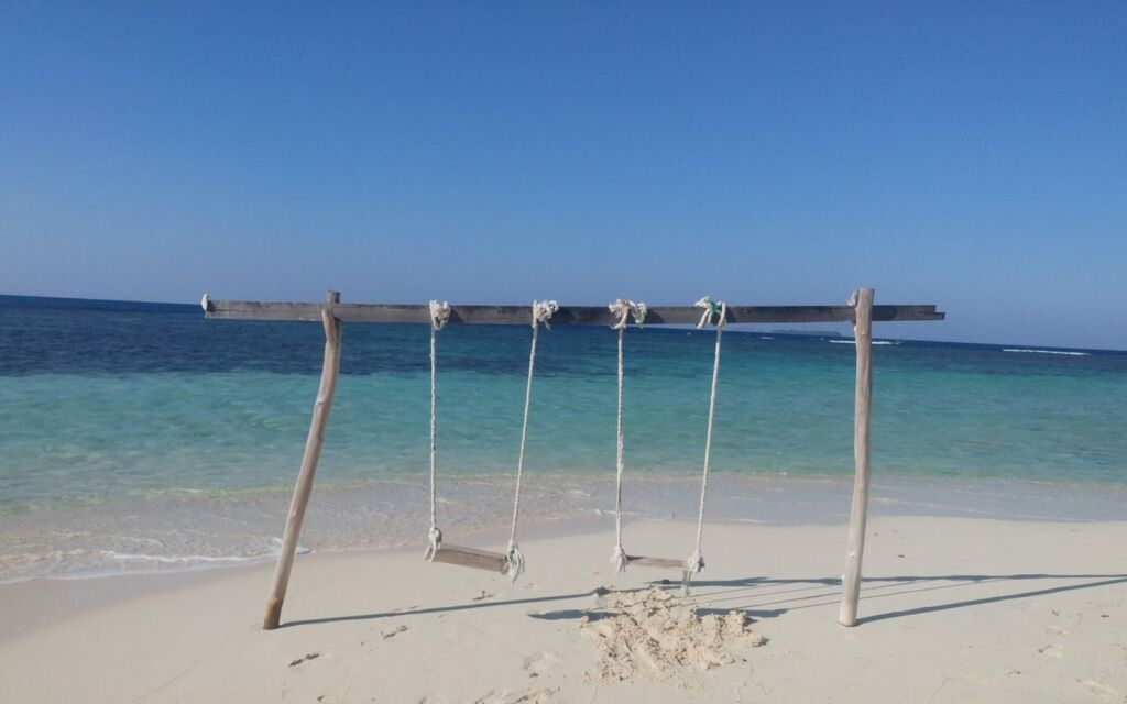 Ayunan di Pulau Cilik