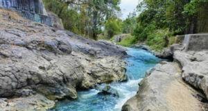 Batuan besar di Lava Bantal