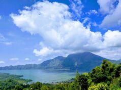 Indahnya Pemandangan Gunung dan Danau Batur dari View Point Kintamani Bangli
