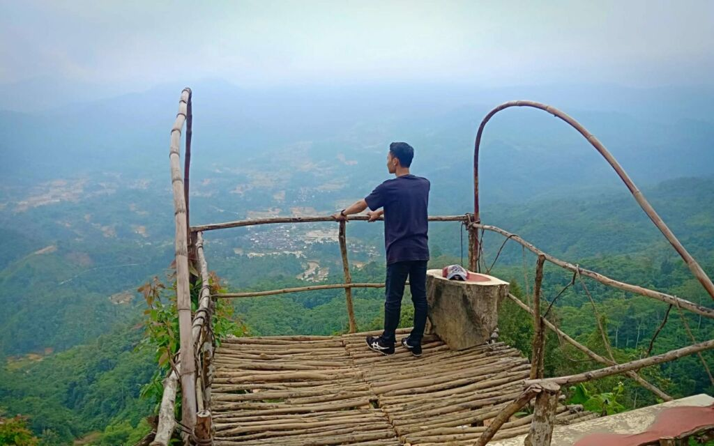 pemandangan setelah Awan Menghilang
