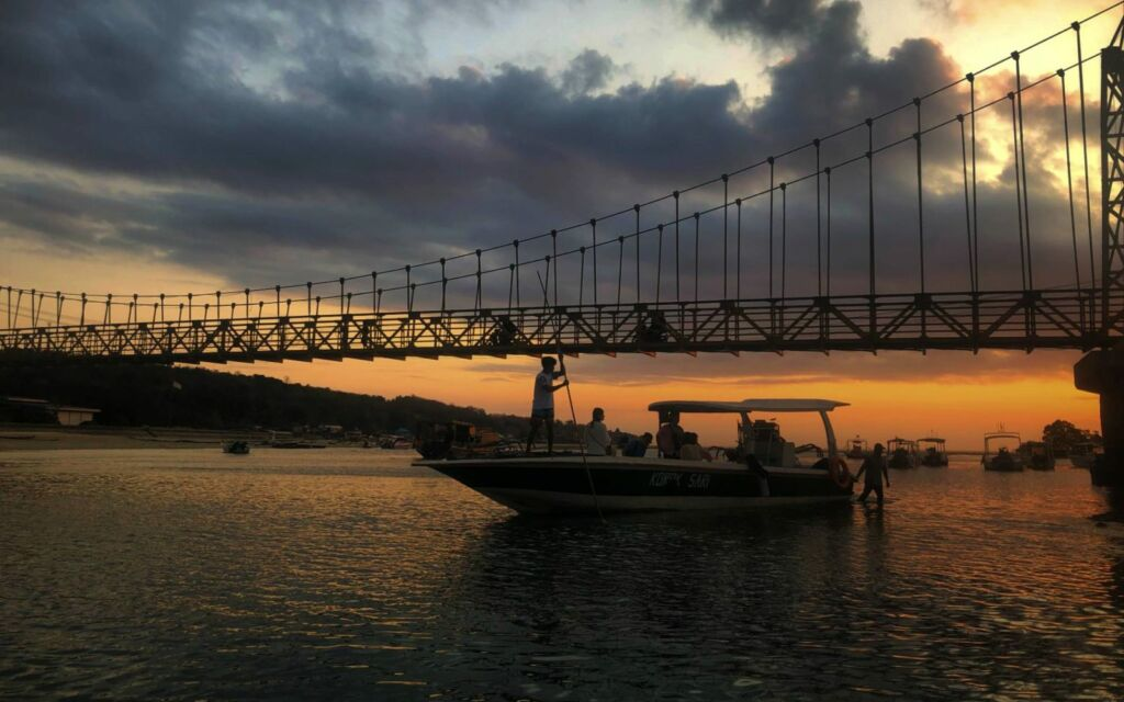 sunset di Yellow Bridge
