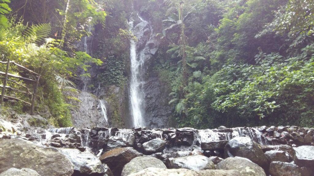 Derasnya semburan Curug 7 air terjun pilihan tempat wisata di Bogor