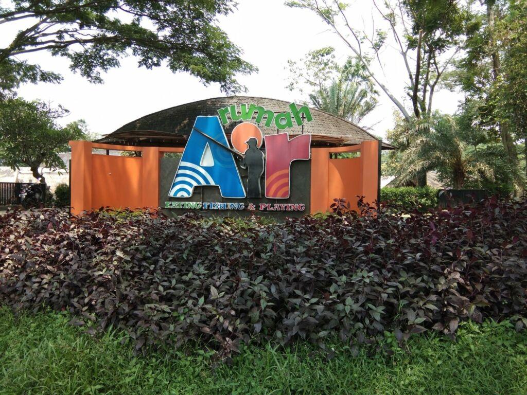Rumah Air salah satu tempat wisata di Bogor bertema kuliner