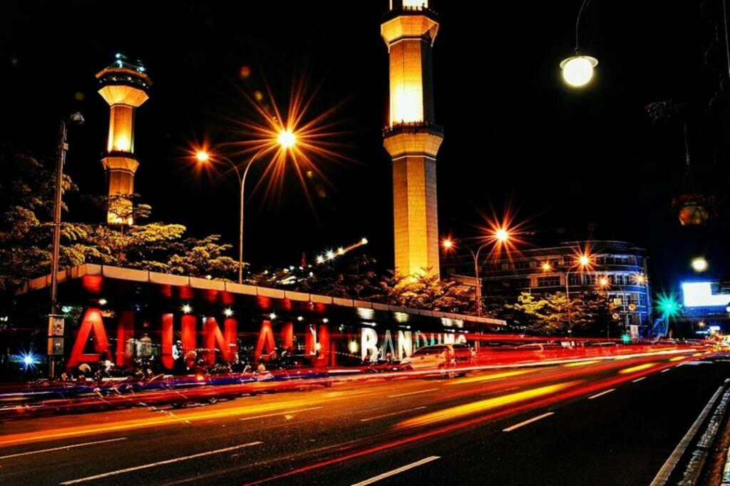 Alun-Alun Bandung tempat wisata di Bandung yang murah