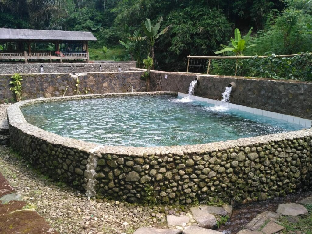 Kolam air panas ciater highland resort