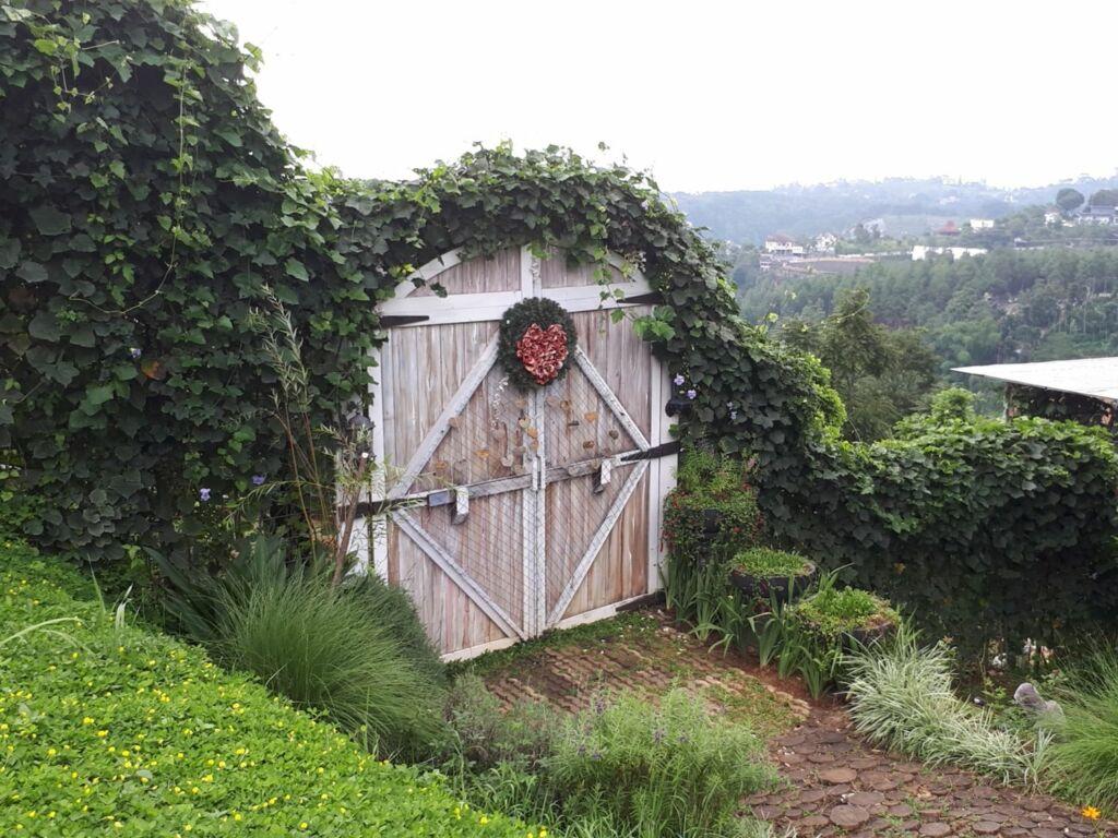 Gerbang dekorasi