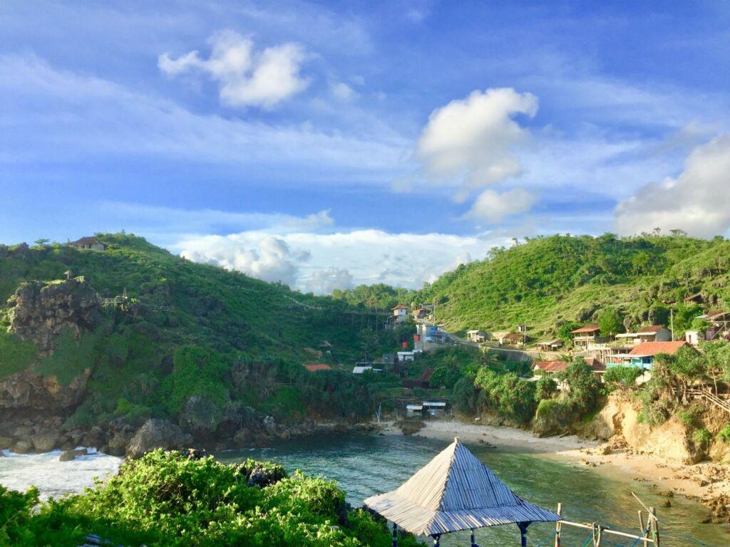 Deretan pantai yang ada di sekitar objek wisata