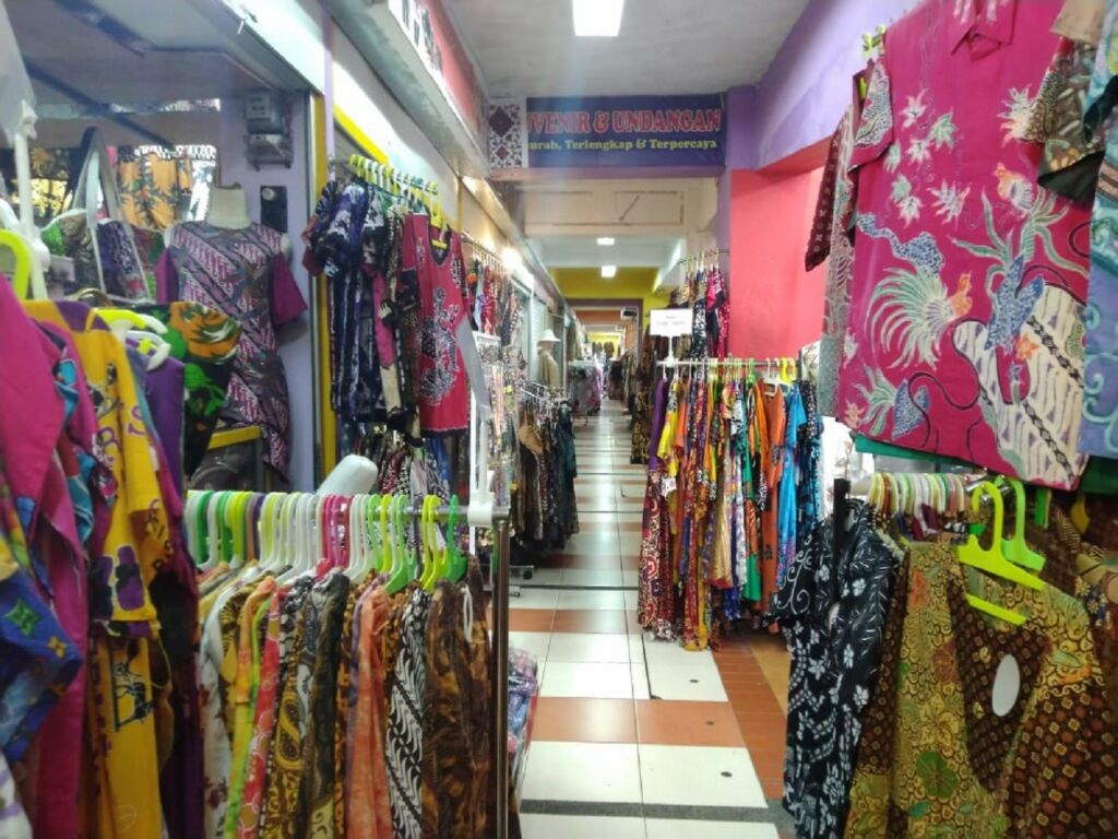 Zona Fashion dan Kerajinan XT Square
