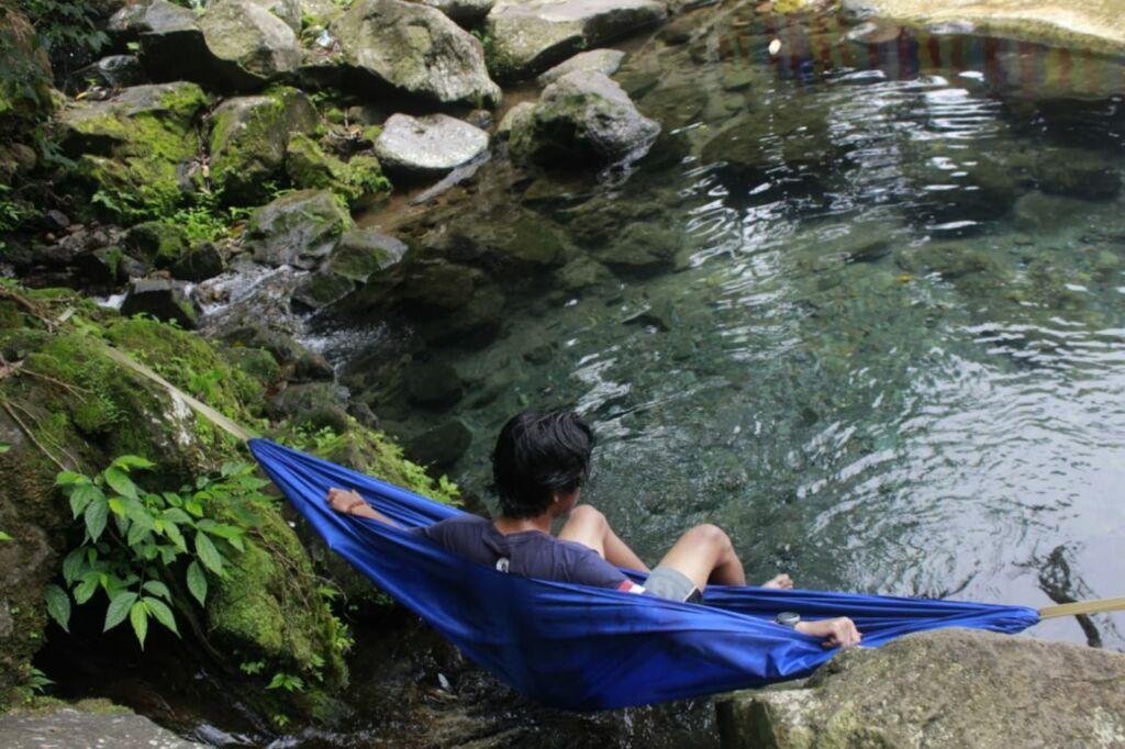 Santai di hammock