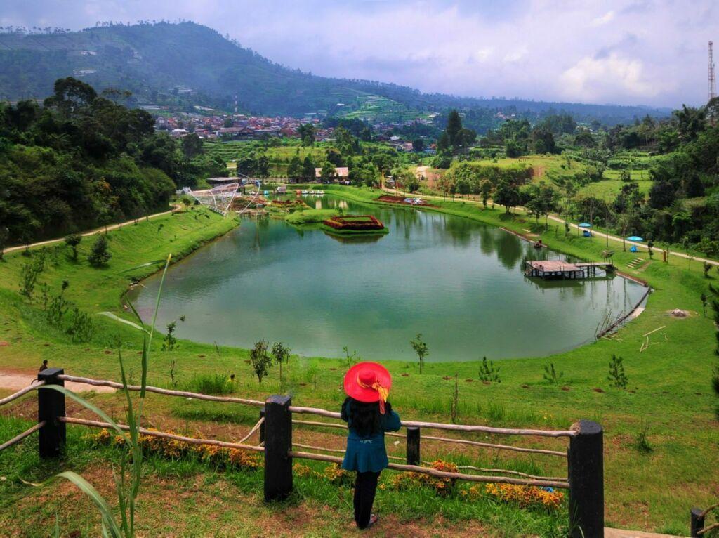 Taman lembah dewata tempat wisata di lembang dengan nuansa asri