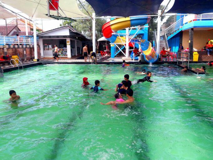 kolam renang paragon semi indoor
