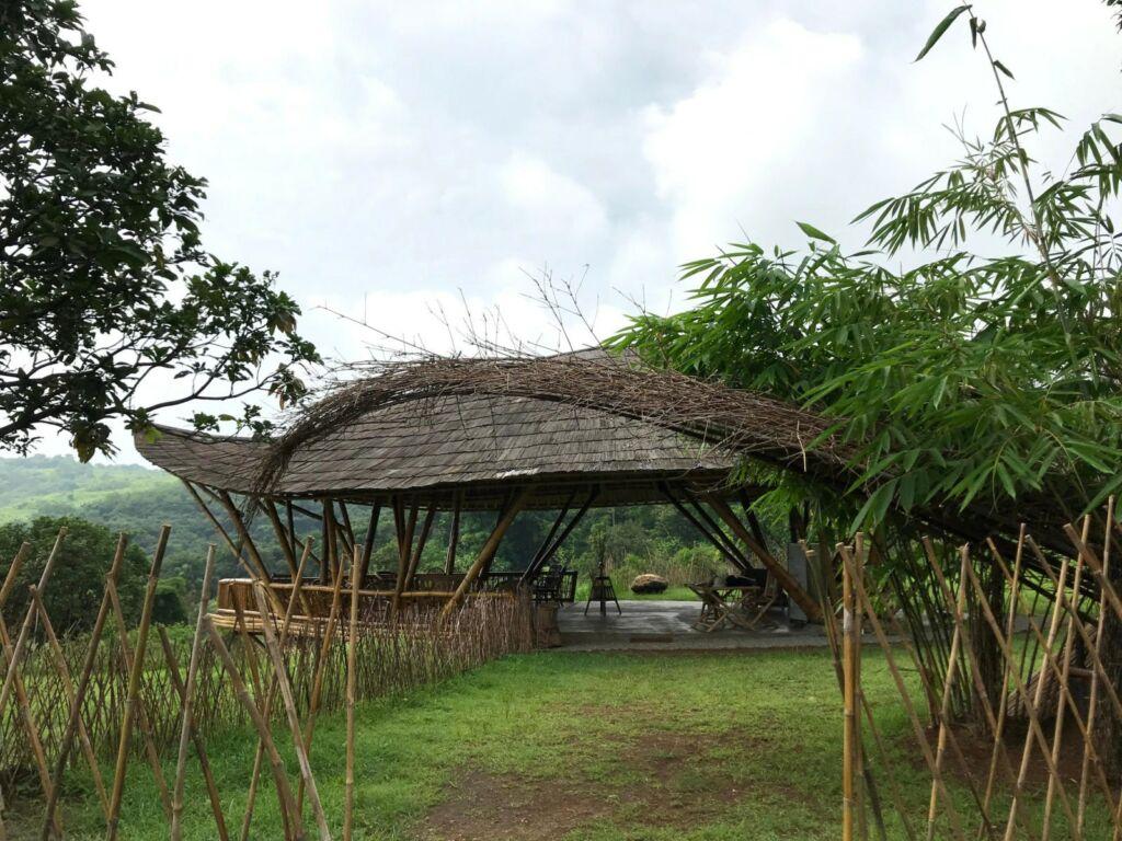 Kafe di area wisata Bukit Bambu Bukit Gronggong Cirebon